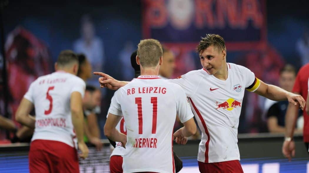 9.02 Bundesliga - RB Lipsk - Augsburg - Lipsk ciągle w pucharach i wysoko w Bundeslidze ale goście to sąsiedzi w tabeli. Może być gorąco. Skorzystaj z kodu Prezent i zagraj!