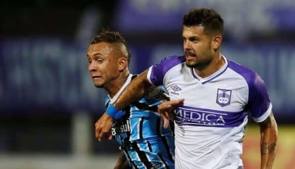 Gremio FB Porto Alegre - Defensor Sporting