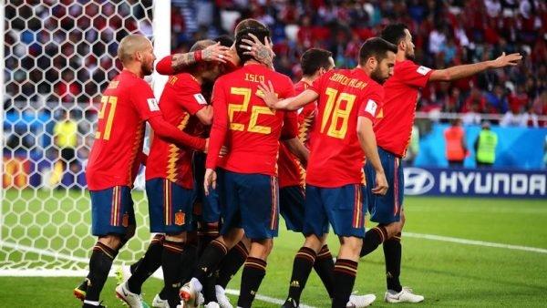 Hiszpania-vs-Rosja-e1530609136261