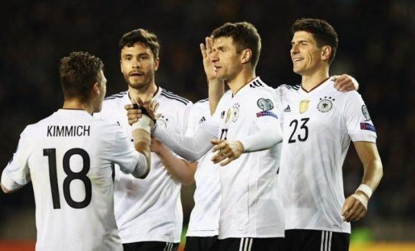 Bukmacherzy bez depozytu typują mecz Niemcy vs Holandia